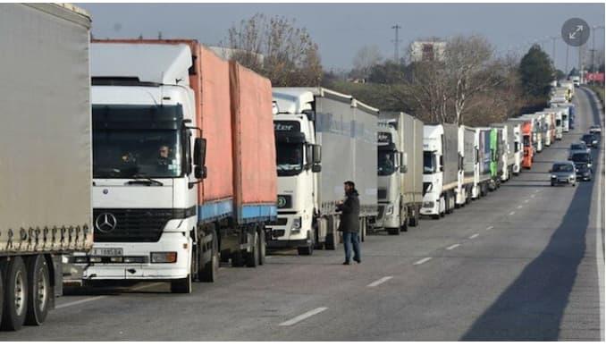 نقل البضائع عبر الحدود البرية