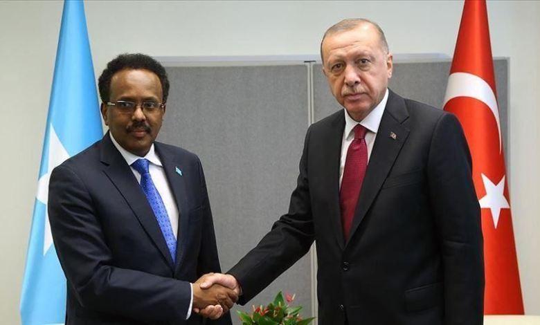ونضيره الصومالي - في رسالة من الرئيس أردوغان إلى محمد عبد الله فرماجو، رفقة المساعدات الطبية التركية المقدمة لمقديشو