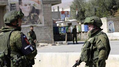 صورة ما علاقة سوريا ؟ .. صحيفة تكشف فضيحة: ضباط روس يدفعون الرشاوى