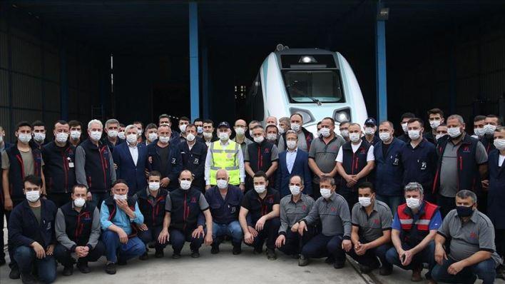 thumbs b c 88892a4a3ff7fe3ea10449a1deeb9d2e - تركيا..تطلق أول قطار كهربائي محلي الصنع..(صورة)