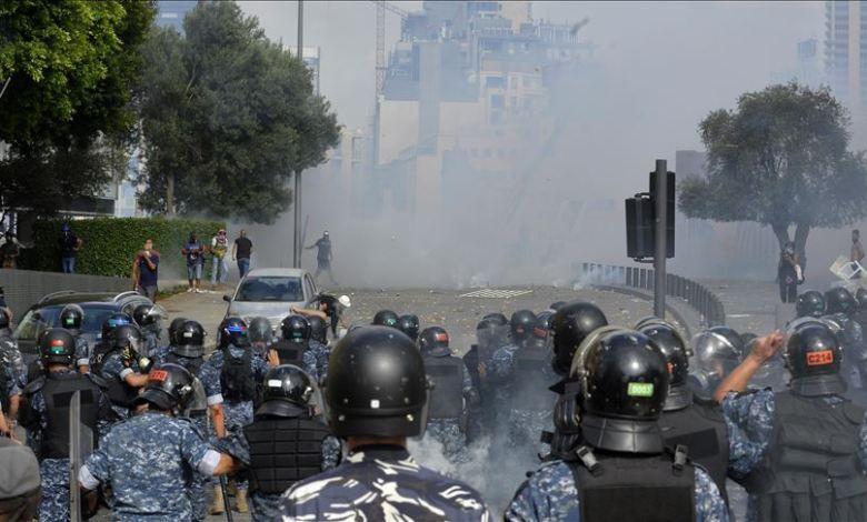 thumbs b c 7c6d771db61d5dd915f23d6588ea6ce8 - إصابات بين الشرطة و المتظاهرين في وسط بيروت