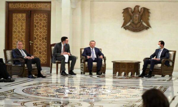 """لافروف في دمشق وكالات 1 600x362 - في زيارته الأولى لسوريا منذ 2012.. لافروف """"يستخفُّ"""" بمسؤولٍ رفيع لدى نظام الأسد (فيديو) - Mada Post"""