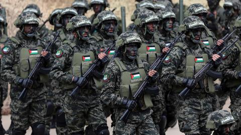 1523450 3463 1950 11 103 - مقاومة غزة بين مواءمة الأهداف وخذلان الأشقاء