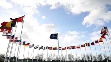 صورة اجتماع تركي-يوناني في الناتو لبحث التوتر شرقي المتوسط