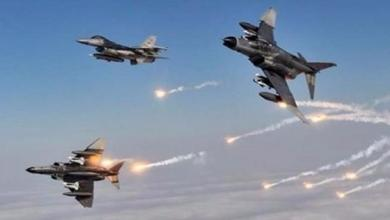 صورة طائرات حربية تستهدف مواقع إيرانية شرقي سوريا.. وهذه هي الحصيلة