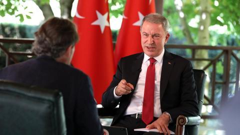 """1600432496 8885001 1158 652 41 116 - """"يصب الزيت على النار"""".. وزير الدفاع التركي يرفض تدخلات ماكرون شرق المتوسط"""