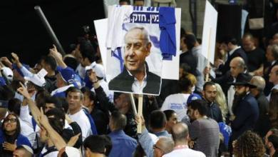 """صورة نتنياهو يدعو لوقف التظاهرات ضده ويصفها بـ""""المهزلة"""""""