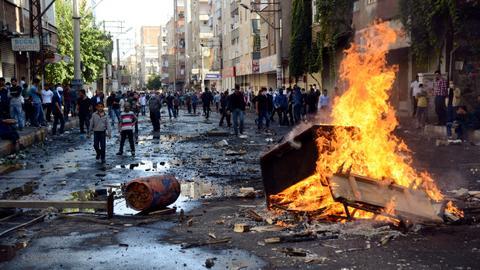 """اعتقالات واسعة بحق المتهمين.. ما أحداث """"كوباني 2014"""" في تركيا؟"""