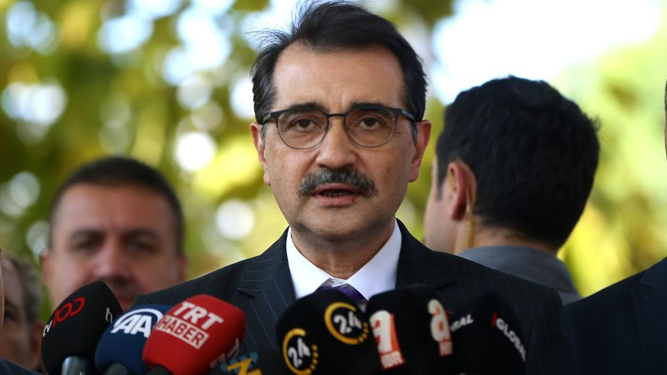 قال وزير الطاقة والموارد الطبيعية التركي فاتح دونماز إن موعد الإعلان عن بشائر جديدة حول اكتشافات الغاز بات قريباً