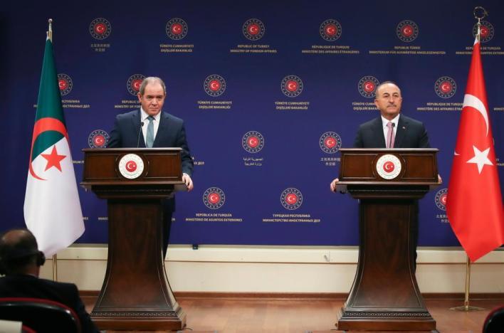 إلى جانب قيام تركيا بتوسيع نطاق علاقاتها مع المغرب وتونس وليبيا، فإنها