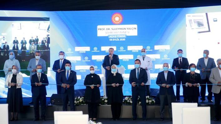 قال الرئيس التركي إن المدينة الطبية الجديدة بسعة 758 سريراً مبيناً أنه سيجري بناء قسم ثانٍ فيها بسعة 352 سريراً