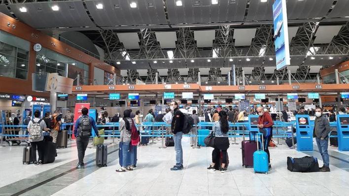 8810234 854 481 4 2 - 27 مليون شخص يسافرون عبر مطارات إسطنبول في 8 شهور