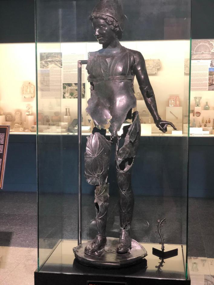 مجسم حديدي لتمثال الإله أتيس من العصر البرونزي والذي اشتهر لدى الرومان قديماً