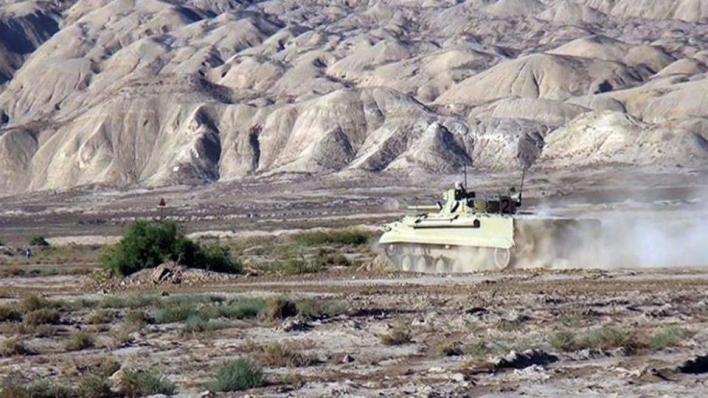 الجيش الأذربيجاني يطلق عملية عسكرية بطائرات بدون طيار وصواريخ ومدفعية، أسفرت عن قصف أكثر من 400 هدف أرميني