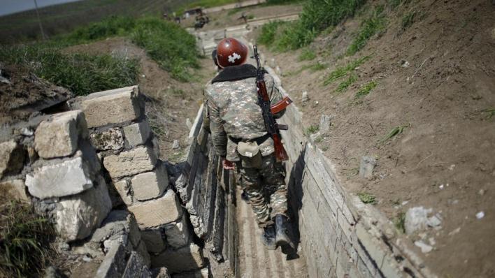 أرمينيا تحتل إقليم