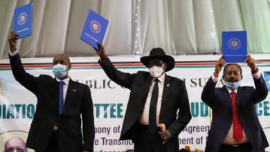 صورة توقيع اتفاق سلام نهائي في السودان مع الفصائل المسلحة