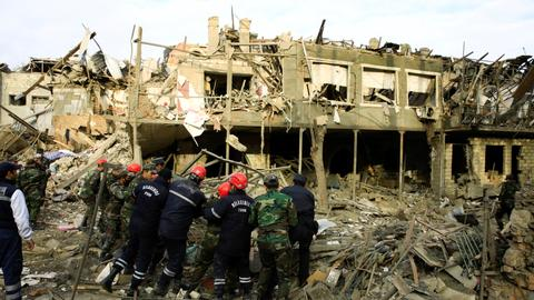1602398943 9193408 6652 3746 42 170 - أرمينيا تستهدف مدنيي أذربيجان بالفوسفور الأبيض وتنقل السلاح بطائرات مدنية