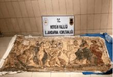 صورة السلطات التركية تقبض على ثلاثة سوريين حاولوا بيع لوحة فسيفسائية تعود للعصر الهلنستي