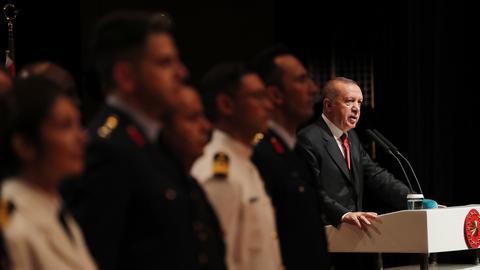 """1603862988 4112571 3181 1791 16 217 - بعد إساءة """"شارلي إيبدو"""" لأردوغان.. إدانات تركية متتالية للمجلة الفرنسية"""