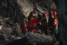 صورة زلزال إزمير.. ارتفاع عدد القتلى إلى 28 وأردوغان يتوجه إلى منطقة الزلزال