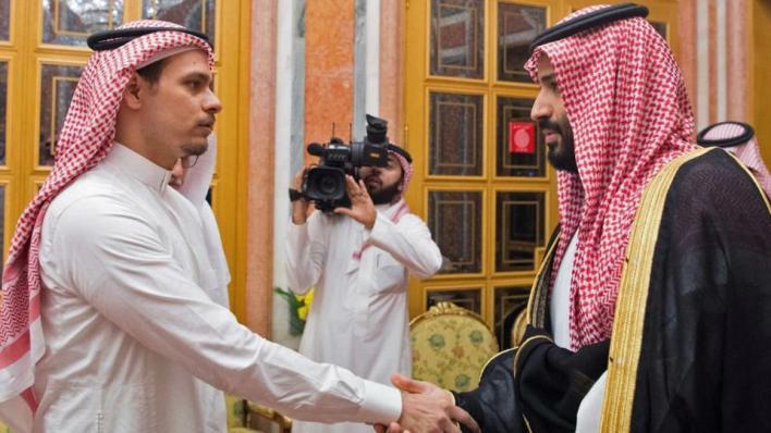 في مايو/أيار الماضي، نشر صلاح الابن الأكبر لجمال خاشقجي تغريدة بعفو العائلة عن القتلة، ما رآه مراقبون نتيجة ضغوط السلطات السعودية