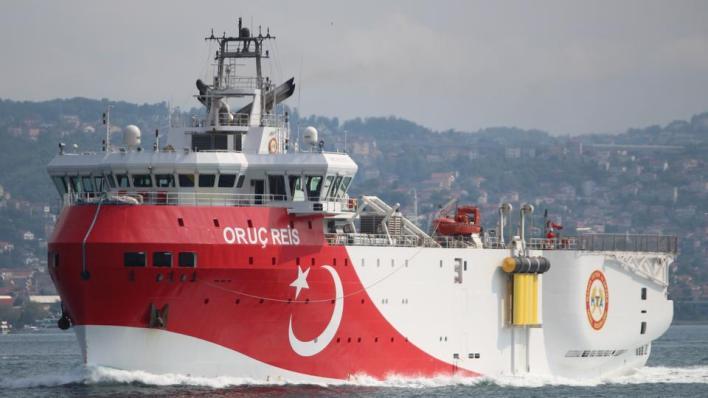 """4206037 5132 2890 25 282 - تركيا تمدد عمليات سفينة """"أوروتش رئيس"""" شرقي المتوسط"""