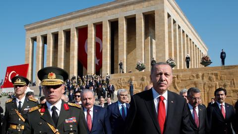 5118870 3820 2151 19 204 - عيد تأسيس الجمهورية.. تاريخ النضال التركي ضد قوى الاستعمار الغربي