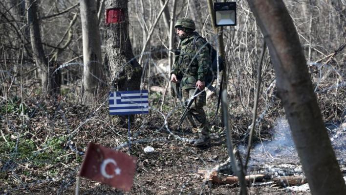 السلطات اليونانية تنصبأجهزة تسبّب الصمم في المنطقة الحدودية مع تركيا لاستخدامها ضد طالبي اللجوء