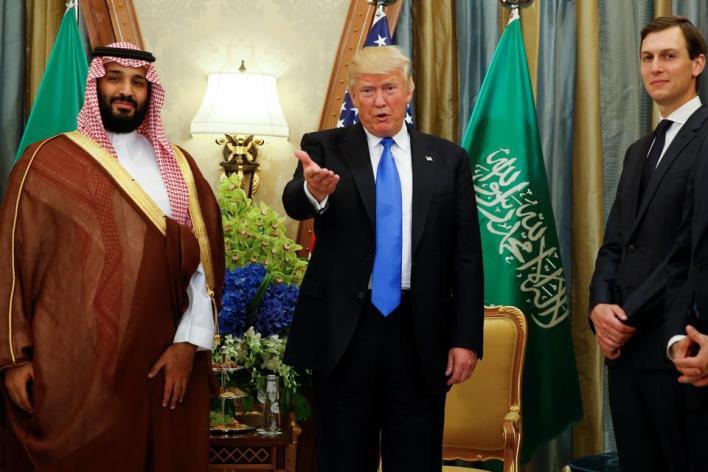 رغم الضجة، ترمب ظل متمسكا بالدفاع عن السعودية