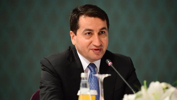 نائب الرئيس الأذربيجاني حكمت حاجييف يؤكد أن الجيش الأرميني يواصل انتهاك الهدنة السارية مع جيش بلاده