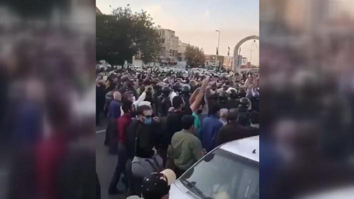 أذربيجانيو إيران يتظاهرون تضامناً مع أذربيجان