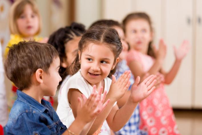 9148508 5559 3706 28 18 - كيف نربي أطفالاً أذكياء عاطفياً؟