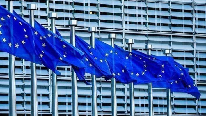 العقوبات الأوروبية ضد الشخصيات الروسية تشمل حظر السفر إلى دول الاتحاد وتجميد الأصول وحظر التعامل المالي
