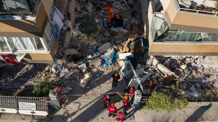 9409915 2922 1645 12 235 - الحكومة التركية تسخر كل الإمكانيات لتلافي تداعيات زلزال إزمير