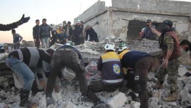 صورة مقتل 7 مدنيين بقصف للنظام السوري على إدلب