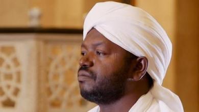 صورة وفاة المقرئ السوداني الشهير الشيخ نورين إثر حادث سير