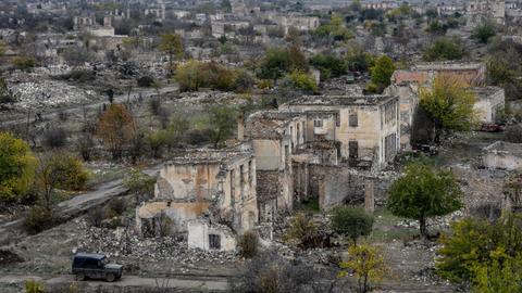 1605853894 9577099 5634 3173 33 326 - الجيش الأذربيجاني يعلن دخوله مدينة أغدام بعد انسحاب الاحتلال الأرميني