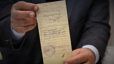 صورة بعد 28 عاماً.. سكان شوشة الأذربيجانية يُخرِجون وثائق ملكياتهم