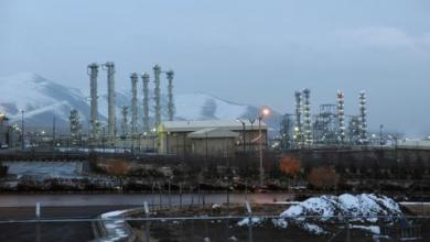 صورة وسائل إعلام إيرانية تتحدث عن اغتيال عالم نووي في طهران
