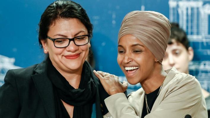 تعد كل من إلهان عمر ورشيدة طليب أول مسلمتين تنتخبان لعضوية مجلس النواب الأمريكي