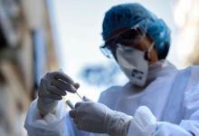 صورة استمرار زيادة حالات الإصابة بفيروس كورونا (كوفيد-19) في فرنسا