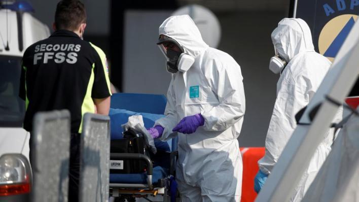 عدد الوفيات بفيروس كورونا في الولايات المتحدة يتجاوز ربع مليون