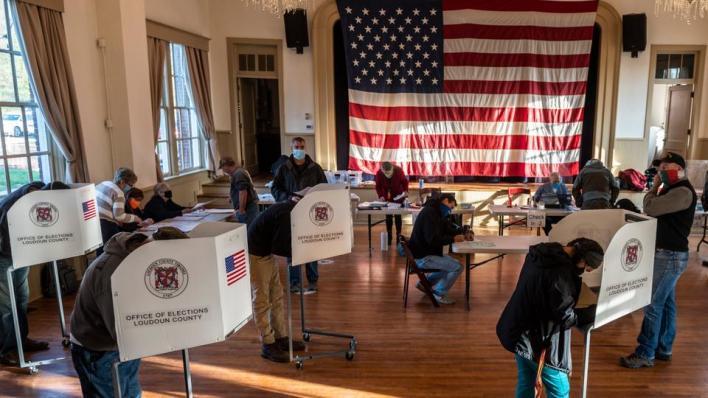 بدء التصويت في الانتخابات الأمريكية الرئاسية بين ترمب ومنافسه الديمقراطي بايدن وسط أجواء مشحونة
