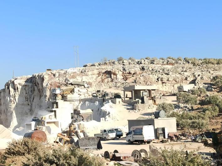 المقالع الحجرية توفر مواد البناء في الشمال السوري