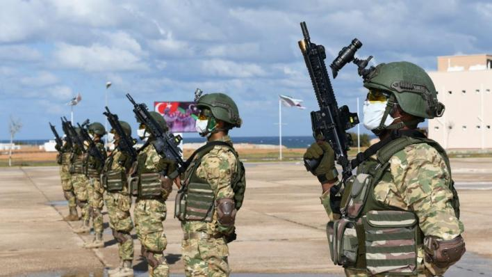 بلغ عدد المتخرجين في الدفعة الأولى 108 تلقوا تدريباتهم على يد القوات المسلحة التركية
