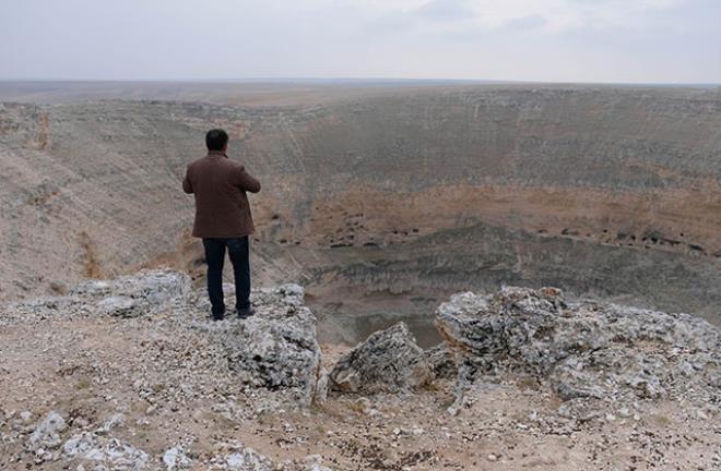 2 1 - بالصور.. أخدود تشيرالي العملاق المتشكل قبل الميلاد يواصل انهياره