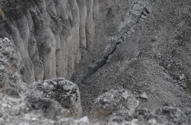 8 - بالصور.. أخدود تشيرالي العملاق المتشكل قبل الميلاد يواصل انهياره
