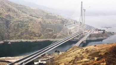 "صورة أردوغان يفتتح جسر ""كومورهان"" بين ولايتي إيلازيغ وملاطيا شرقي تركيا"