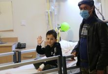 صورة شاهد قصة هذا الطفل السوري الذي تغذى عن طريق انبوب المعدة لمدة 7 سنوات وأخيرا عملية زرع المريء