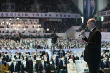 والليرة 300x200 - وزير الدفاع التركي يتحدث عن اتفاق مع روسيا في سوريا